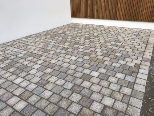 Pavé granit 14x14, joints polymères
